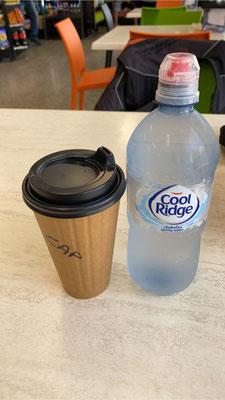 """... zwischendurch gibt es für mich ein """"Einsermenü"""" Kaffee und Wasser ..."""