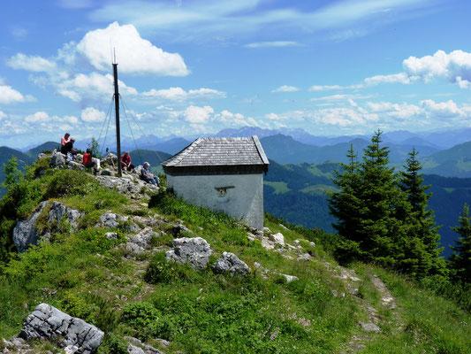 Gipfel Spitzstein mit der kleinen Kapelle