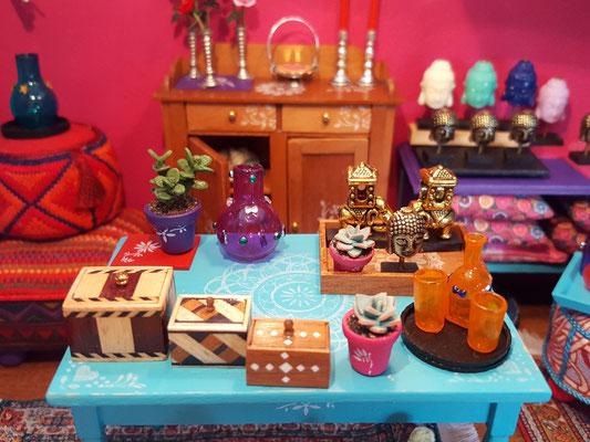 Gestempeld meubilair,leuke doosjes, buddah's en olifanten, het past allemaal in de Bohemian sfeer.