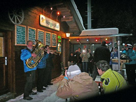 Après-Ski-Party mit  bayerischer Musik