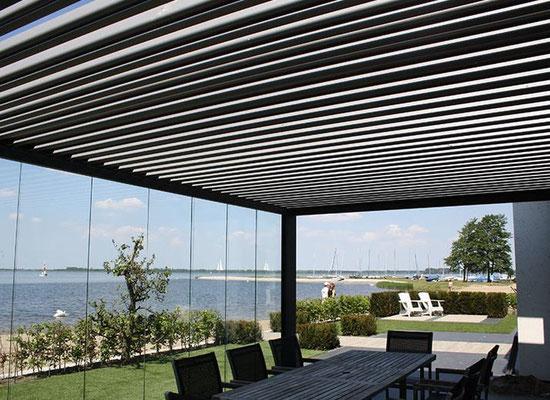 coulissant 100 verre pergola bioclimatique pergola store carport pr au verre couverture. Black Bedroom Furniture Sets. Home Design Ideas
