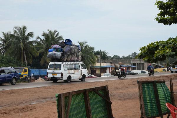 Fernverkehr in Togo - eine der wenigen Möglichkeiten