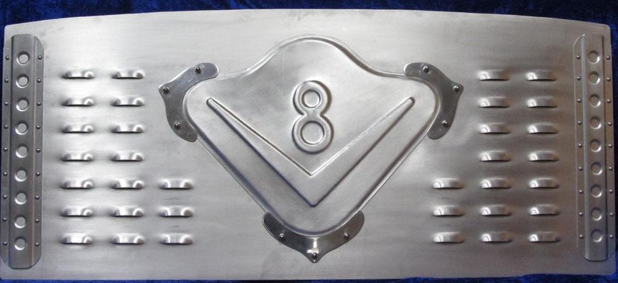 Aluminiumabdeckung für Kofferraum Mercedes Flosse Blechklopfer Feinblechner W. Schröder Handwerkskunst