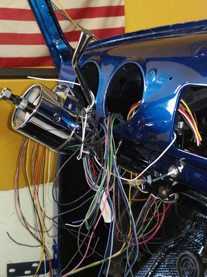 Neue Elektrik 51er Chevy Pickup Truck Kabelsalat