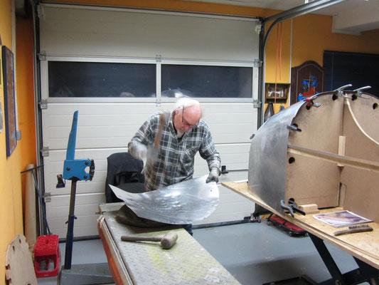 Blechklopfer Feinblechner Hot Rod Karosseriebau Oldtimer Motorräder Blechformtechnik Fahrzeugbau Restauration Blechbearbeitung
