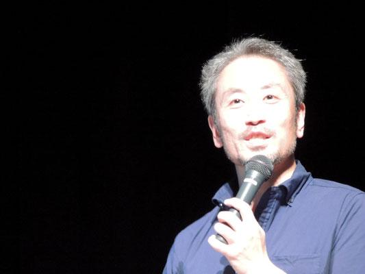 「ジャーナリストの突破力」のテーマで講演する安田純平さん