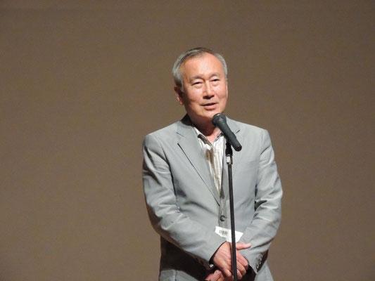 開会挨拶をする秋葉忠利・ヒロシマ総がかり行動共同代表(前広島市長)