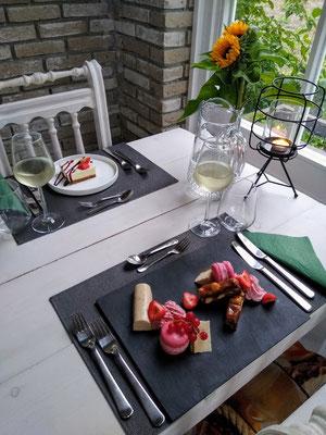 Abendessen in unserem Wintergarten