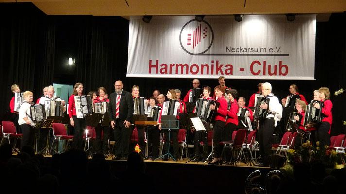 1.AO + Hobby-Orchester gemeinsam bei der Zugabe