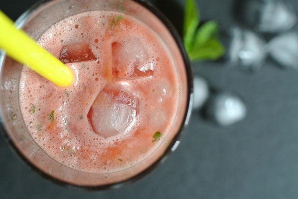 Wassermelonen-Mojito mit Pfefferminze
