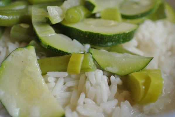 Kokos-Gemüse mit Reis