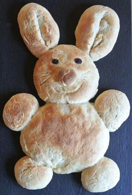Hefe-Hase für Ostern