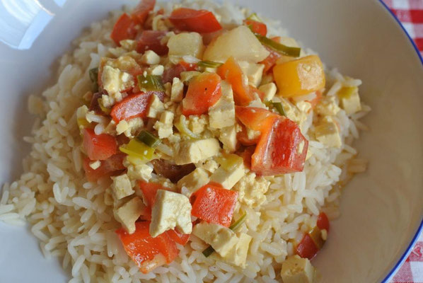 Geschnetzeltes mit Früchten und Pute oder Tofu - Resteverwertung Honig-Senf-Soße