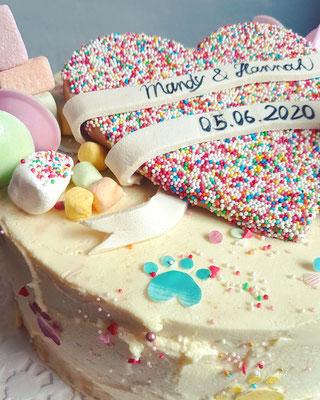 Pride Torte,  Mascarponecrème, bunte Deko, 20 St.  ca 160 Euro