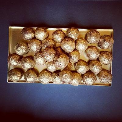 Goldene Pralinen