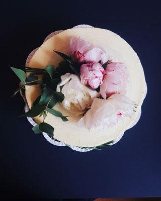 Minitorte, Buttercrème,  echte Blüten,  15 St.  ca.120 Euro