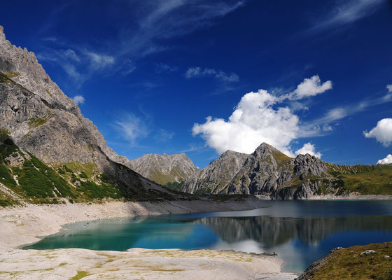 "Foto: Andreas Ender, photo-art+painting | Limited Edition of 99 | 50x70cm | je 144,00€ | Juli - ""Lünersee"""