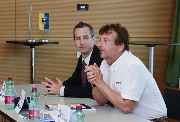 Brent Wetters (li), Mag. Bernhard Robotka (re)