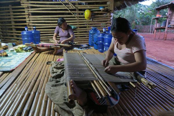 Atelier de tissage artisanal