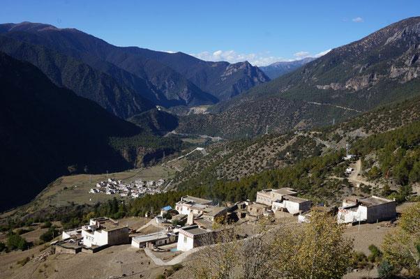 Jolis villages Tibétains avant Xiangcheng