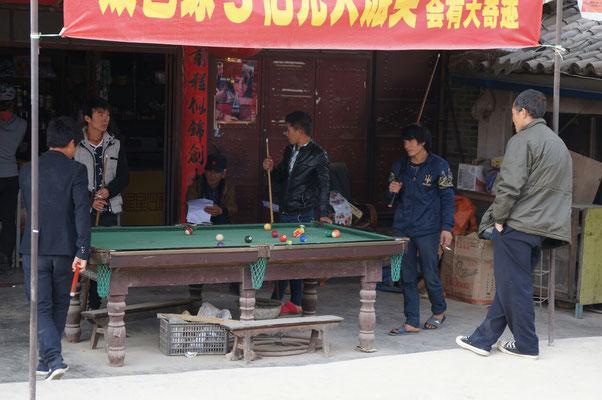 On retrouve des billards dans toutes les petites villes chinoises!