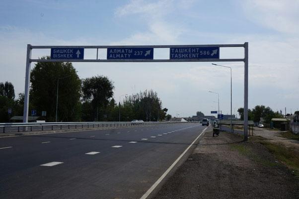 Sur la route de Bishkek, il faut pas se tromper..