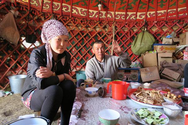 Dégustation de spécialités Kirghizes dans une yourte