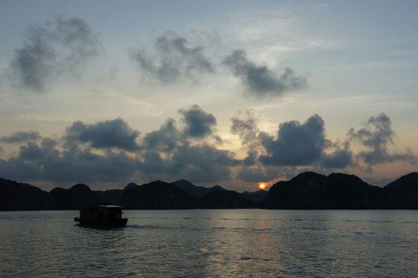 Soleil couchant sur la baie de Lan Ha
