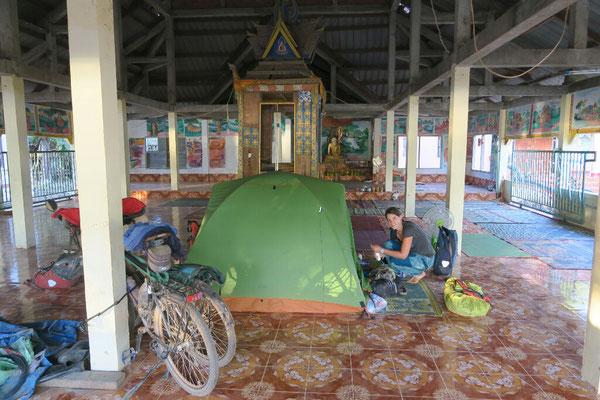 Camping dans le temple!