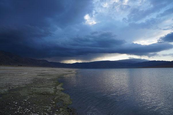 Entre orages et éclaircies au lac Orto Tokoi