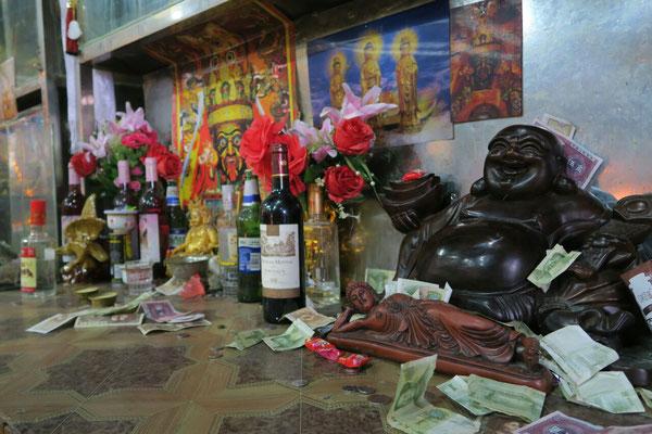 C'est l'orgie chez Bouddha!