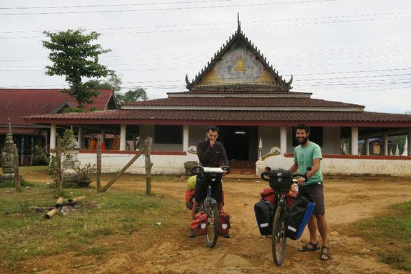 Temple où nous avons passé la nuit juste avant Paksong