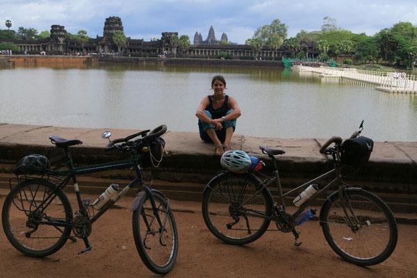 Angkor et toujours à vélo (copyright Romain et Émilie)