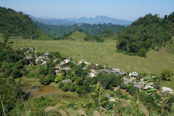 Village Thaï entre Mai chau et Moi chau