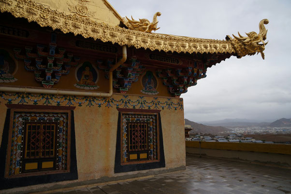 Sur les toits du monastère de Shangri-la