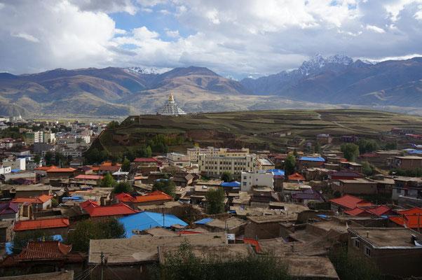 Ville de Garze et sa Stupa