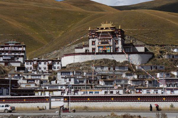 Le monastere de Serxu peut acceuillir plus de 1000 moines