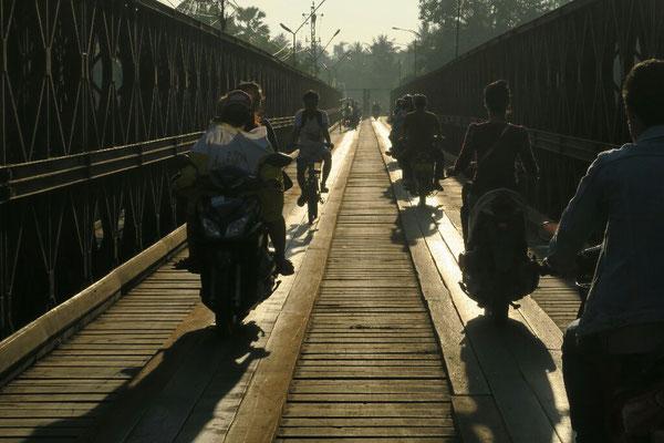 Pont a l'entree de Luang Prabang