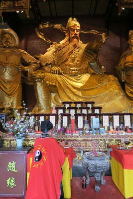 On n'est pas encore au point sur les statues chinoises...mais ça change de Bouddha!!