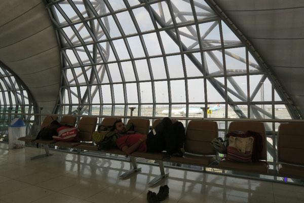 Sur le chemin du retour - Escale à Bangkok