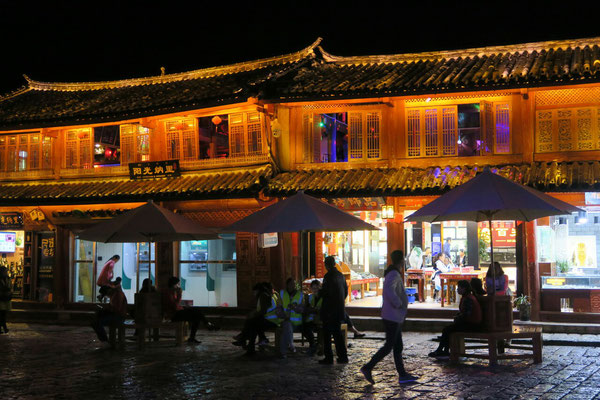 Lijiang by night...