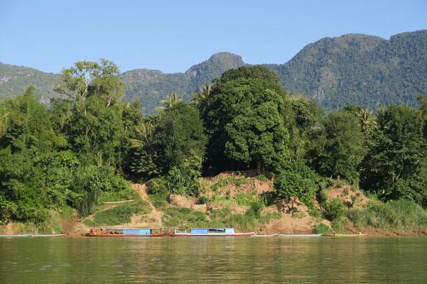 Sur les rives de la Nam Ou