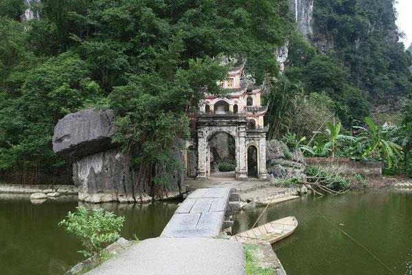 Temple près de Tam coc