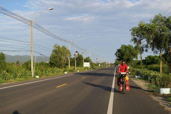 Les routes de campagne thaïlandaise...dorénavant on va chercher les petits chemins!