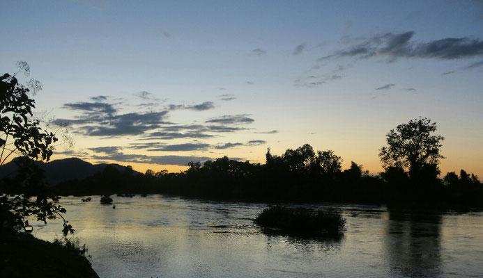 Coucher de soleil sur le Mekong