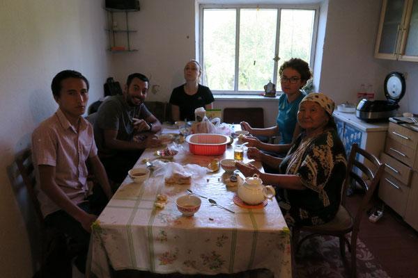 Chez Adilet et Zina - Kirghizistan