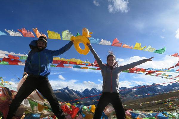 .... que l'on trouvera quelques km plus loin (plus de 4600m, c'est validé?)... pour une fois qu'il fait beau au sommet!