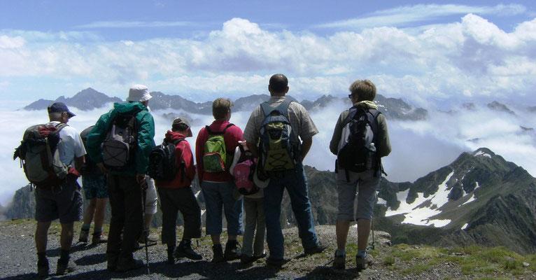 Tour d'horizon en haut du Pic du Midi de Bigorre