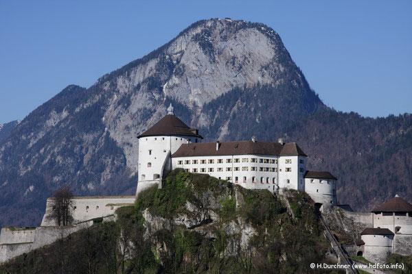 Festung Kufstein mit dem Pendling im Hintergrund