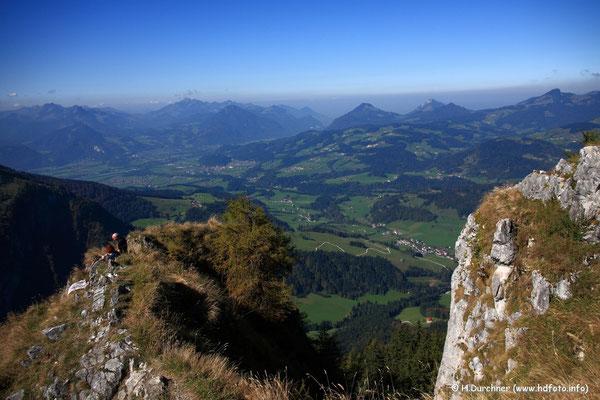 Blick zum Niederndorferberg mit Niederndorf und Oberaudorf vom Heuberg (bei Walchsee) aus